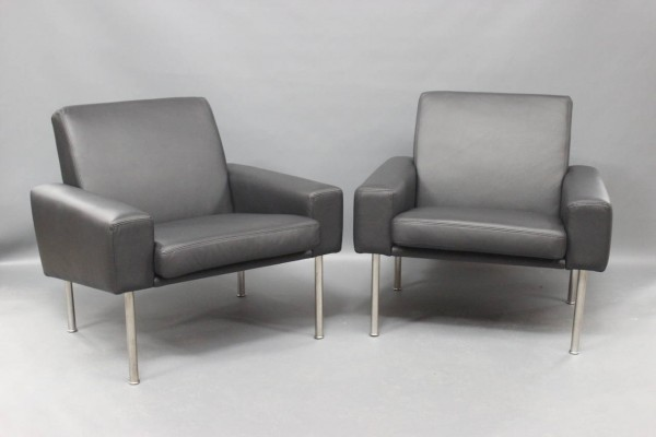 model-34-1-lounge-chairs-in-black-savanne-leather-by-hans-j-wegner-for-a-p-stolen-1960-set-of-2-02